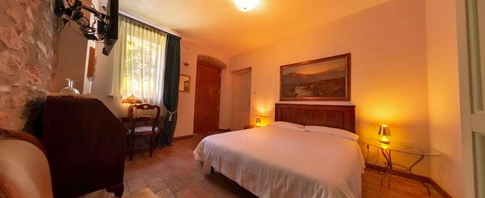 Lake Garda Farmhouse Holidays at Villa Bissiniga: Gardesana guest room