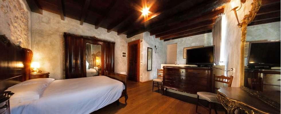Agriturismo Villa Bissiniga Relais Farmhouse Holidays: Ponal Guestroom