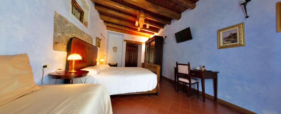 Agriturismo Villa Bissiniga Relais Farmhouse: Suer Guest Room