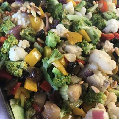 Light, tasty and colorful vegetables in a simple dish to cook by yourself