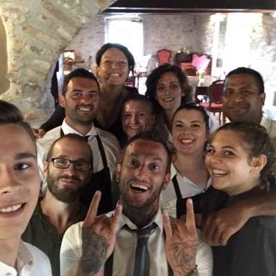 Una simpatica foto del team dopo un servizio  selfie